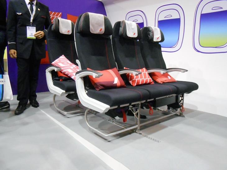 Les nouveaux sièges de la classe Economy Air France sur le stand de la compagnie au salon IFTM Top Résa © Sophie Figenwald
